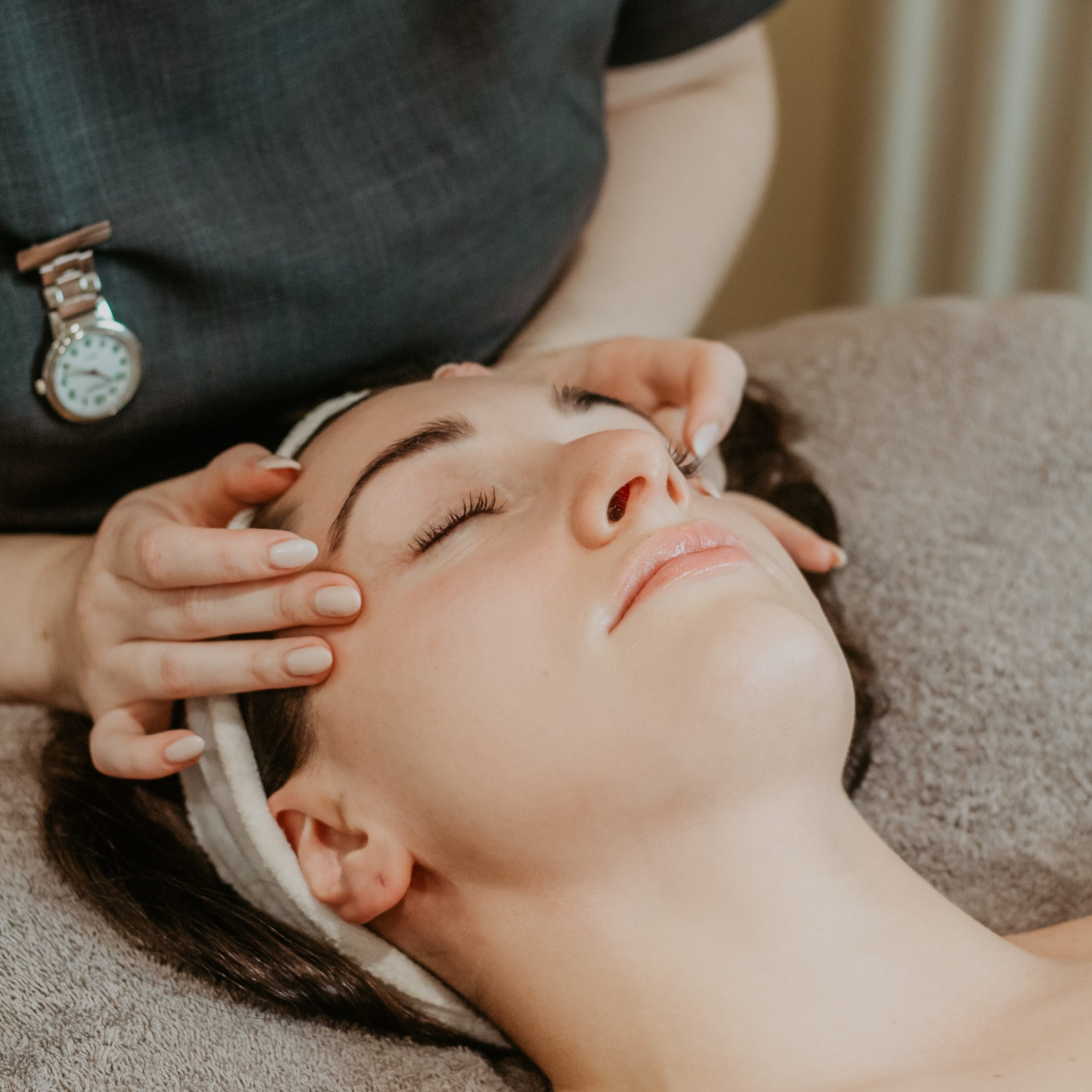 Decleor Facials at Cedar Therapy Luxury Beauty Salons