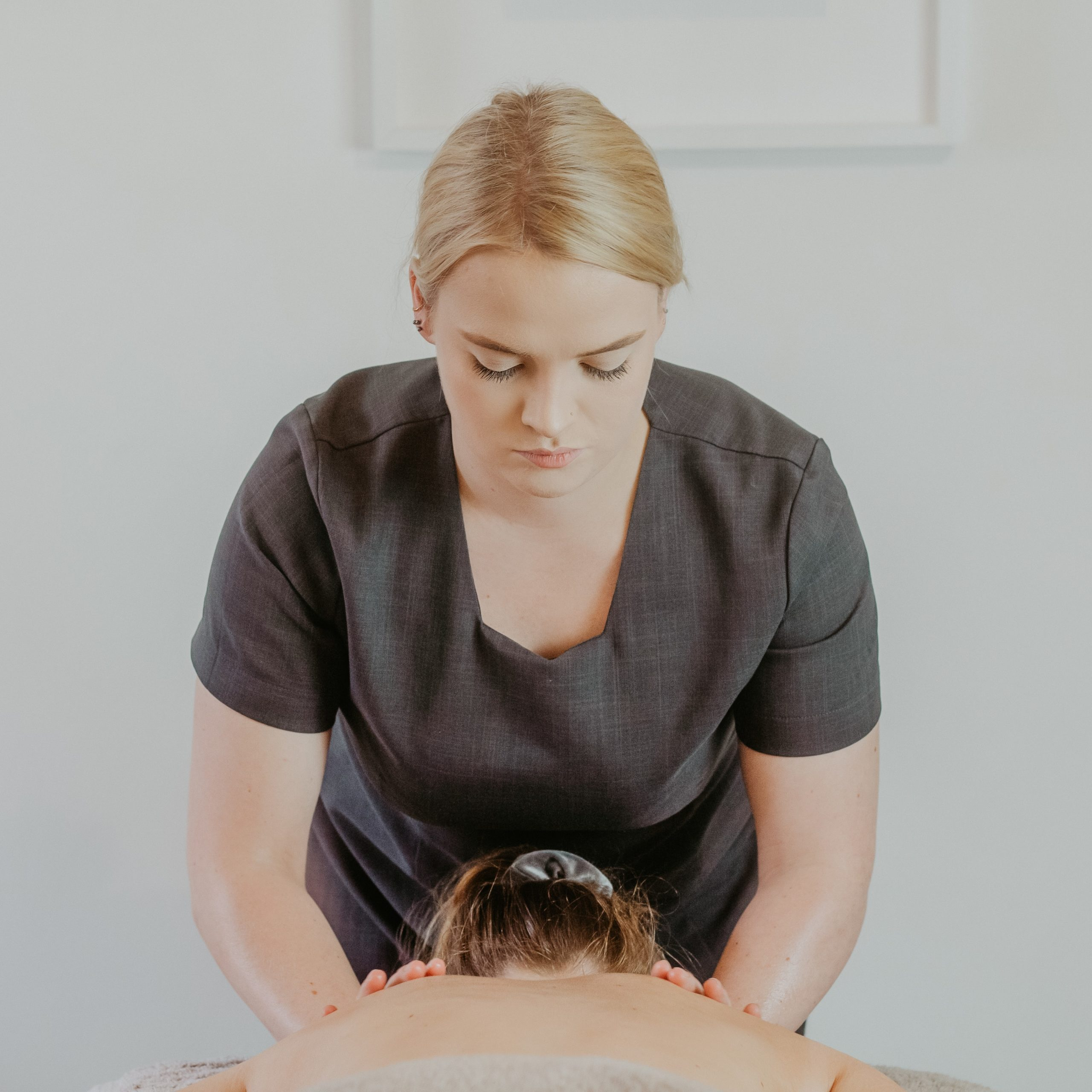 Massage at Cedar Therapy Luxury Beauty Salons