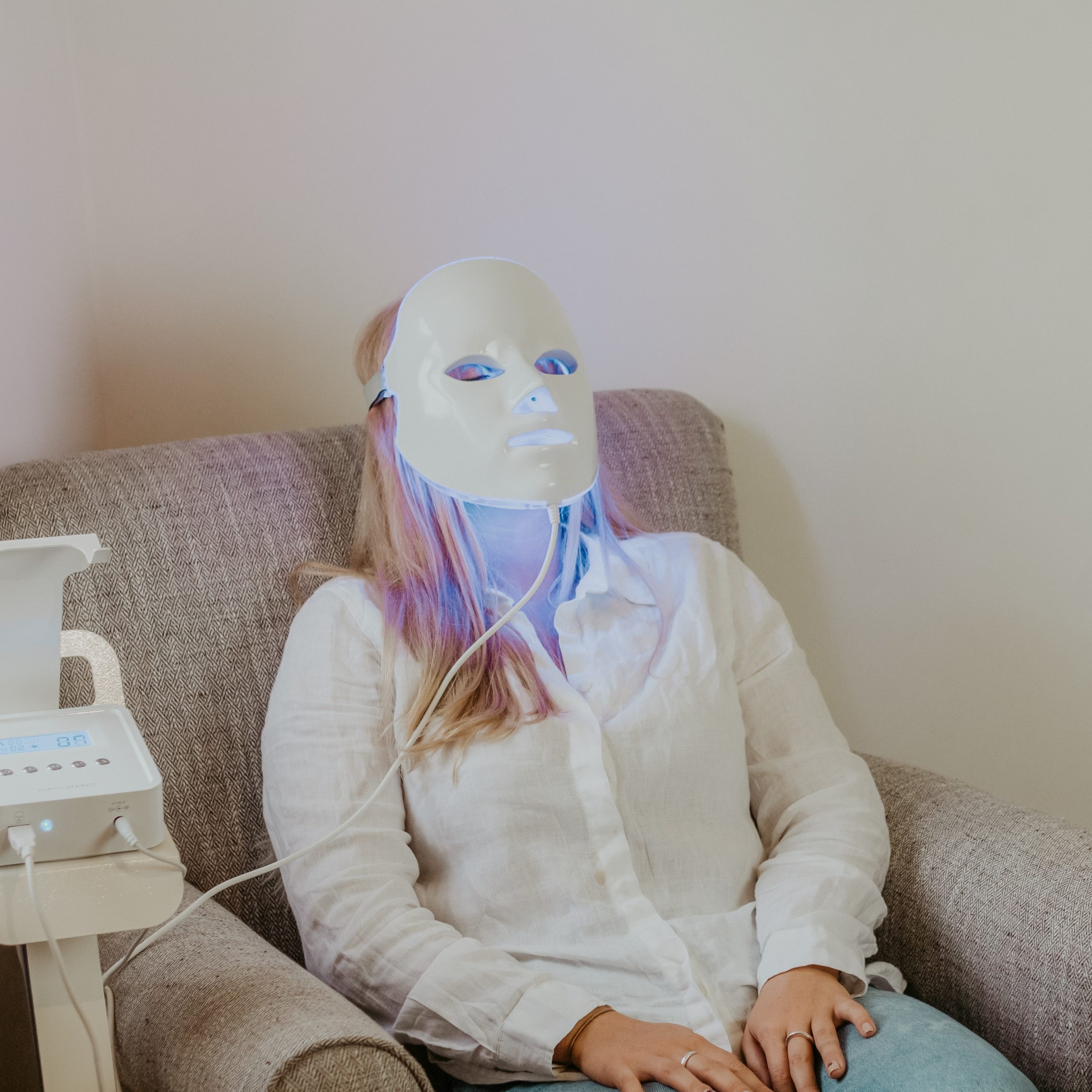 Dessee Facials at Cedar Therapy Luxury Beauty Salons
